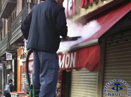 Limpieza de toldos en Madrid