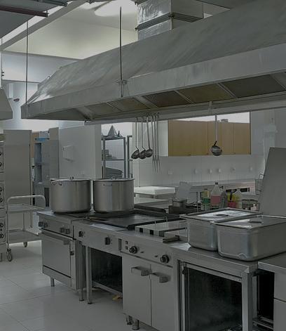 Limpieza de campanas extractoras en madrid termy - Campana extractora cocina industrial ...